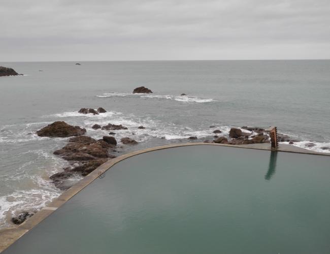 Piscine de St Quay.jpg